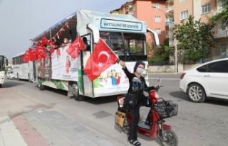 Battalgazi'de 19 Mayıs Coşkusu Balkonlara Taşındı