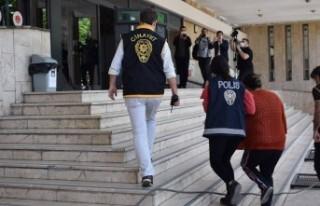 Malatya'da Cinnet Geçiren Kadın Kocasını...
