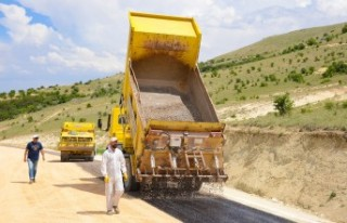 Başkan Gürkan, İlçelerin Yol Sorununu Ortadan...