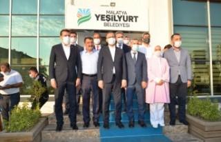 Bakan Kasapoğlu, Yeşilyurt Belediyesini Ziyaret...