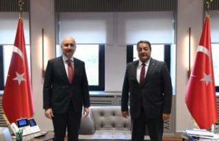 Fendoğlu, Ulaştırma Bakanı Karaismailoğlu'nu...