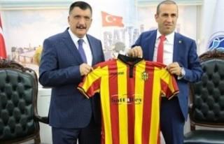 Başkan Gürkan, Gevrek'e İstifa Etmesi Gerektiğini...