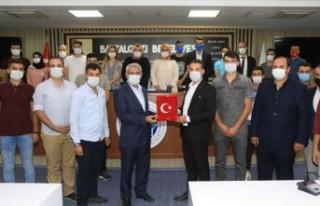 Başkan Güder, Ak Parti Battalgazi Gençlik Kollarını...