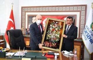 Bakan Karaismailoğlu'ndan Büyükşehir Belediyesine...