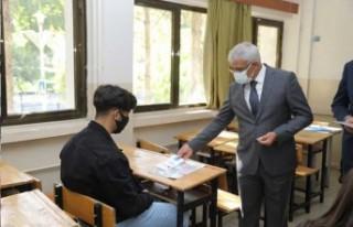 Başkan Güder, Yeni Öğretim Yılında Öğrencileri...