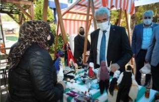 Başkan Güder, Hanımeli Pazarı'nı Gezerek Alışveriş...
