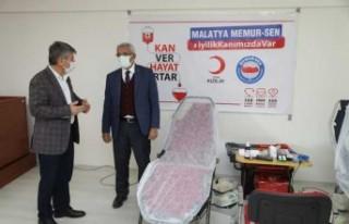 Başkan Güder'den Kan Bağışı Kampanyasına...