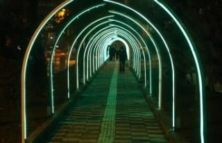 Işıklı Yol İle Üçgen Park Bir Başka Güzel