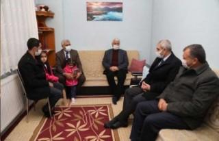 Başkan Güder'den Personeline Yürek Isıtan Ziyaret