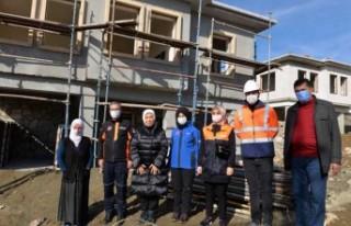 Çalık: 'Afetten uzak dayanıklı binalar yapılıyor'