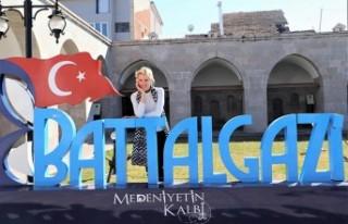 Wilma Elles, Battalgazi'ye Hayran Kaldı