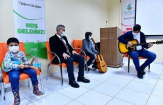 Gitar Kursu, Müslüm Gürses'in Şarkılarıyla...