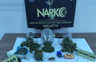 Malatya'da 1 kilo 385 gr esrar ele geçirildi
