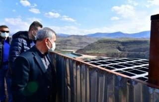 Başkan Çınar, Millet Bahçesinde Yapımı Süren...