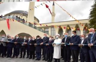 Erbaş, Malatya'da İlahiyat Camisi ve Kütüphanesi'ni...