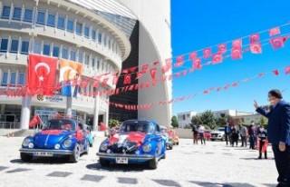 Malatya Büyükşehir Belediyesi üstü açık otobüsle...