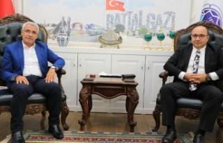 Prof. Dr. Şahin'den Başkan Güder'e ziyaret