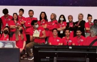 Ahi Yunus Emre takımı Türkiye birincisi oldu