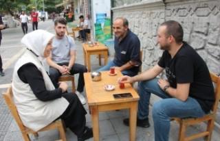 AK Partili Çalık, Fuzuli Caddesinde esnafları ziyaret...