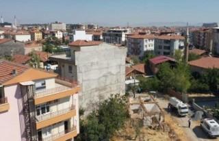 Yeşilyurt Belediyesi Ekipleri Özalper Mahallesindeki...
