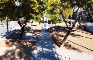 Battalgazi'deki Parklarda Revize Çalışmaları...