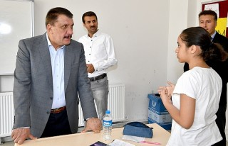 Başkan Gürkan, Kursiyerleri Ziyaret Etti