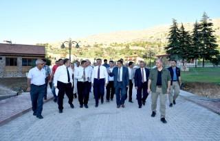 Başkan Gürkan, Vali Baruş ile birlikte İnderesi...