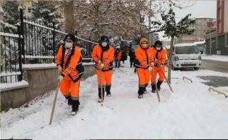 Battalgazi Belediyesi'nin Kar Mesaisi Devam Ediyor