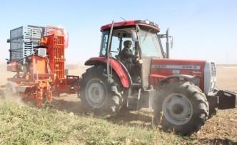 Çalık: 'Yazıhan'da 28 bin dekar arazi daha suyla buluşacak'