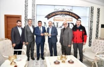 İHH Vakfı Yöneticilerinden Başkan Gürkan'a Ziyaret