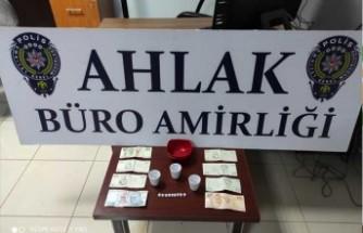 Malatya'da Asayiş Uygulamaları... Yeşil Reçete Uyuşturucu Ele Geçirildi
