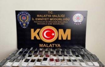 Elazığ- Malatya Karayolu'nda kaçak cep telefonu ele geçirildi