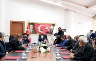 Gürkan, Akçadağ Dayanışma Derneği'ni Makamında Kabul Etti