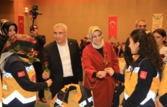 Başkan Güder'den 8 Mart Dünya Kadınlar Günü Mesajı
