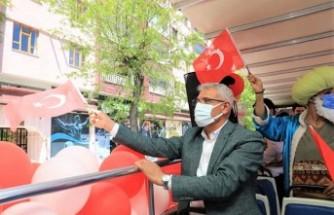 Battalgazi Belediyesi, 23 Nisan'ı Çocukların Evine Götürdü