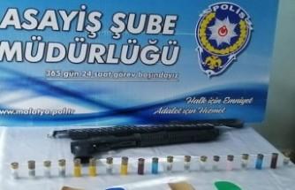 Uyuşturucu hap ve silah ele geçirildi