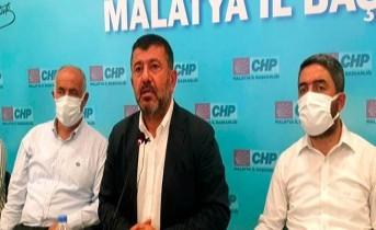 Ağbaba, Malatyaspor'a siyaset sokanlar Malatya'ya ihanet ediyor!