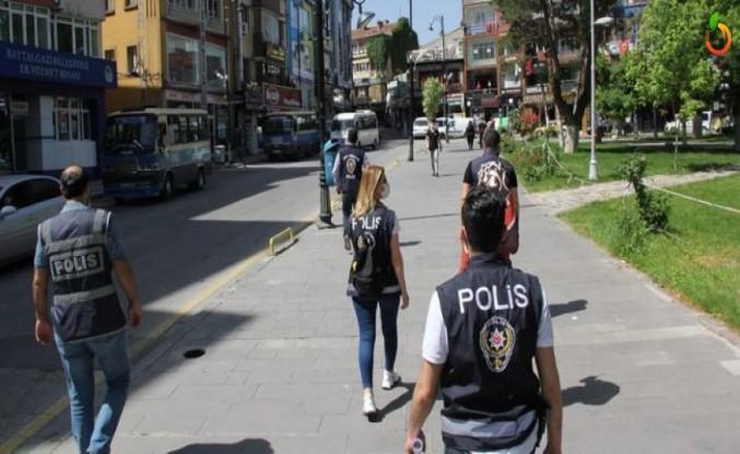 Polisten 135 Şahıs ve İşyerine İşlem Yapıldı