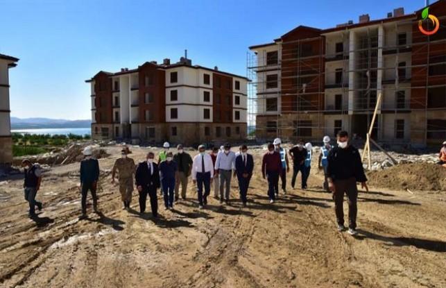 Kale ve Battalgazi İlçelerinde Deprem Konutları İncelendi
