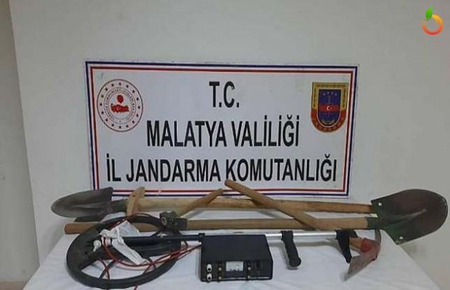 Defineci 5 Zanlı Jandarma Tarafından Yakalandı