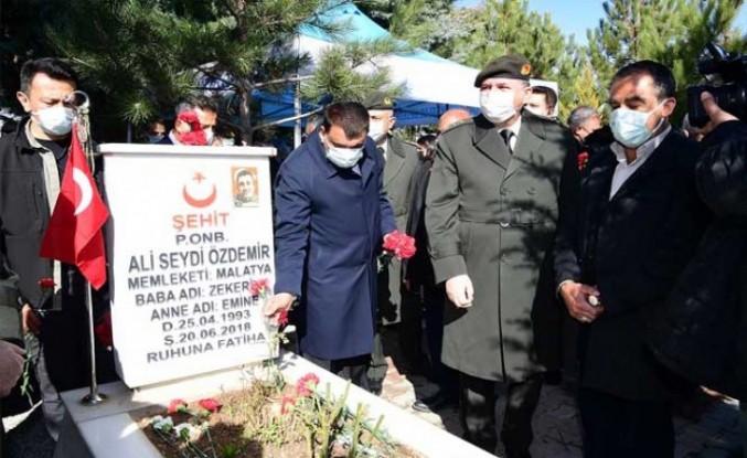 Çanakkale Zaferi'nin 106. Yılı ve Şehitleri Anma Günü Kutlandı