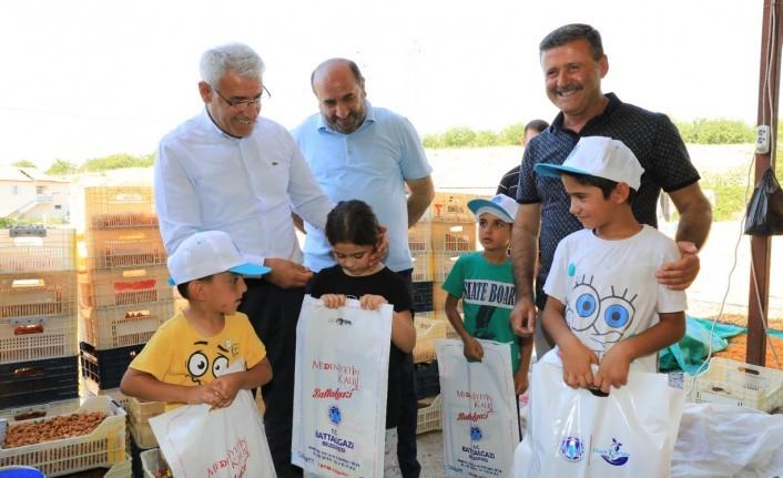 Başkan Güder ve Kahveci'den Mevsimlik İşçilere Bayram Ziyareti