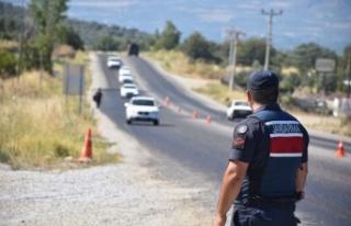 Yabancı Uyruklu 16 Kişi Kale'de  Yakalandı