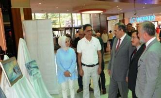 Vali Ali Kaban, Ressam Hüseyin Macar'ın yağlı boya resim sergisi açılışına katıldı.
